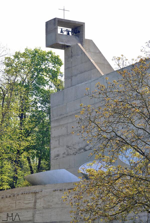 tourette-couvent-le-corbusier-bell