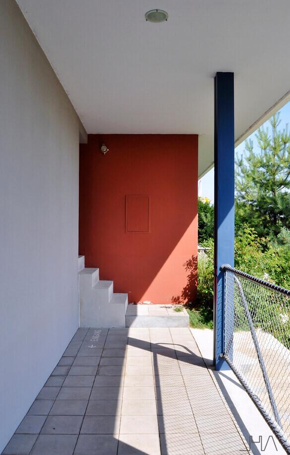weissenhofmuseum-le-corbusier-porch