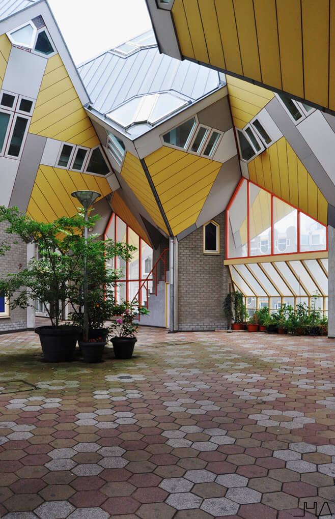 kubuswoning-piet-blom-house