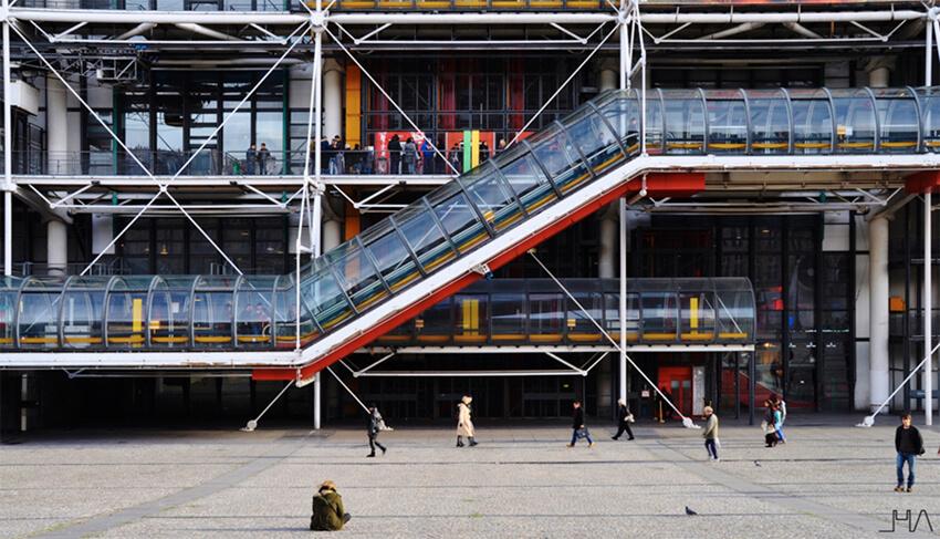 pompidou-rogers-piano-tube-facade