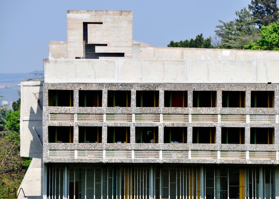 tourette-couvent-le-corbusier-facade