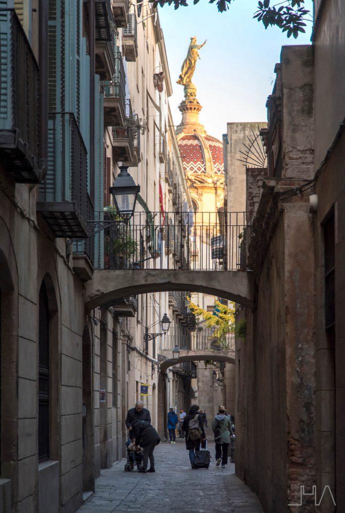 barcelona-walking-tour-architecture