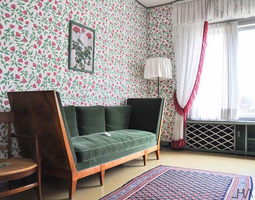 maison-blanche-green-sofa